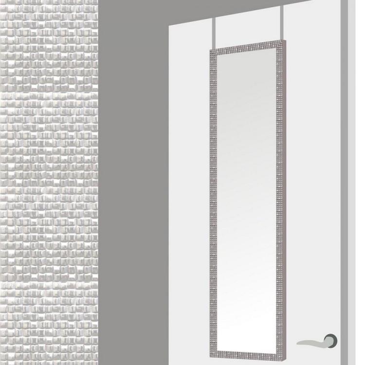 Espejo para puerta con formas cuadradas en color plata.