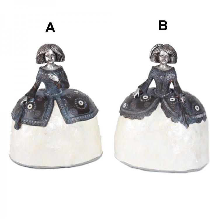 Figura meninas. Dos modelo. (22.5 x 17.5 x 12.5 cm)