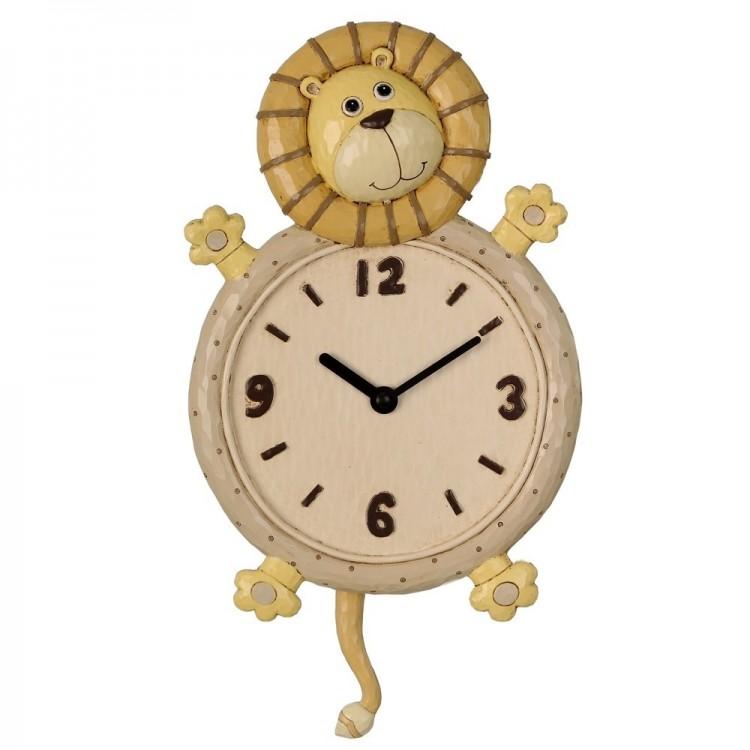 Reloj de pared con forma de león (20x30x5 cm).