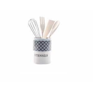 Kitchen utensils in wood with stand