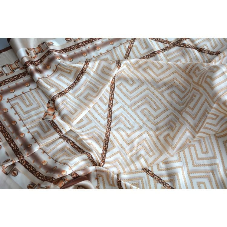 Pañuelo  de seda 100% natural, modelo greca marron, de Hogar y Mas