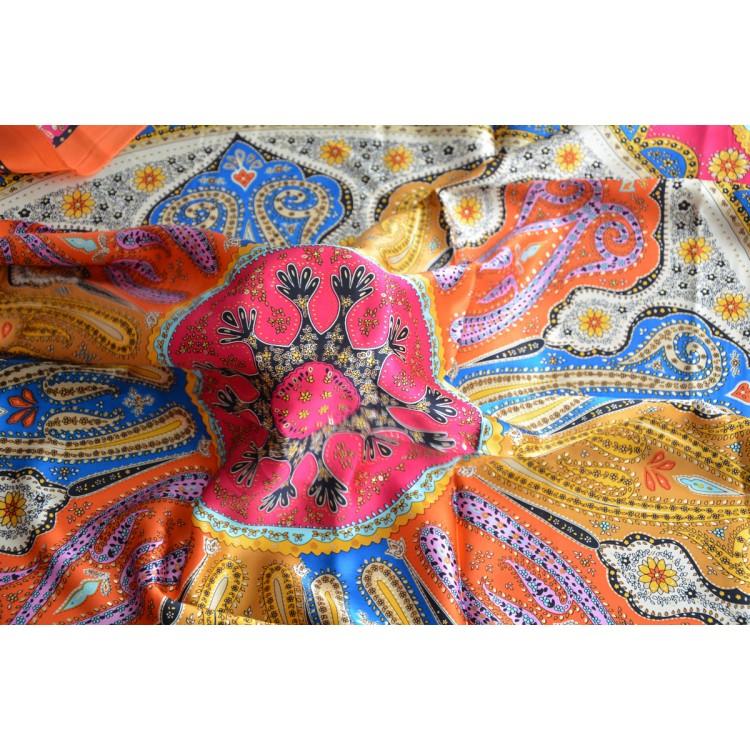 Pañuelo  de seda 100% natural, modelo coral naranja, de Hogar y Mas