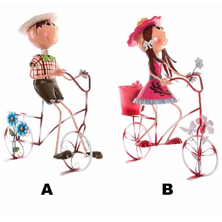 Macetero de Metal Forma de Niños en Bicicleta Decoración Original Dos Modelos Hogar y Más