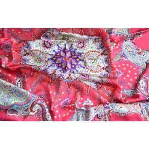 Pañuelo  de seda 100% natural, modelo mandala rosa, de Hogar y Mas
