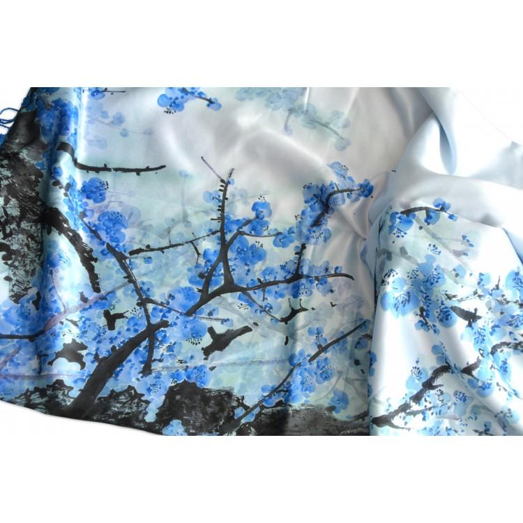 Pañuelo  de seda 100% natural, con dos caras y  flecos, modelo ramas azul,  de Hogar y Mas