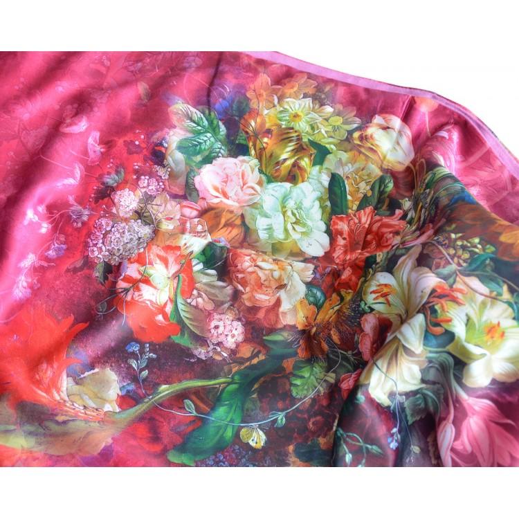 Pañuelo  de seda 100% natural, con dos caras y  flecos, modelo floral rosa,  de Hogar y Mas