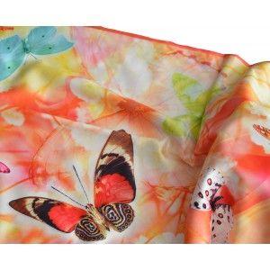 Pañuelo  de seda 100% natural, con dos caras y  flecos, modelo mariposas naranja,  de Hogar y Mas