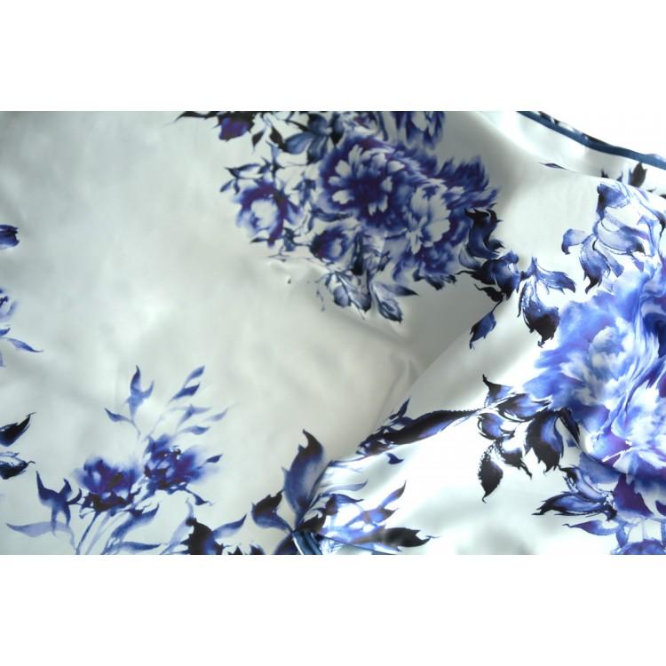 Pañuelo  de seda 100% natural, con dos caras y  flecos, blanco y morado,  de Hogar y Mas