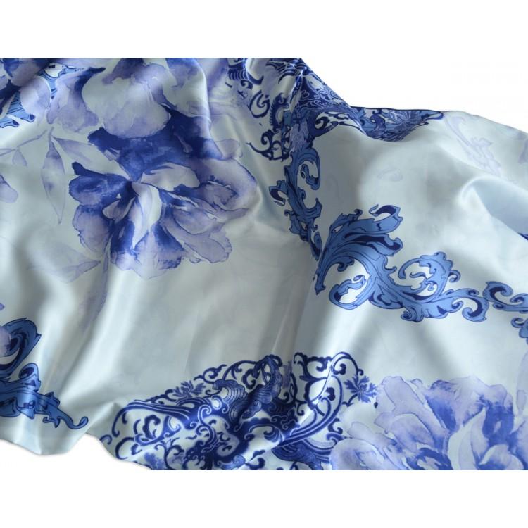 Pañuelo  de seda 100% natural, con dos caras y  flecos, modelo artemisa azul, colección otoño-invierno,  de Hogar y Mas