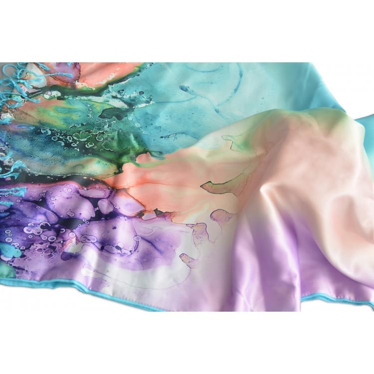 Pañuelo  de seda 100% natural, con dos caras y  flecos, modelo agua azul, colección otoño-invierno,  de Hogar y Mas