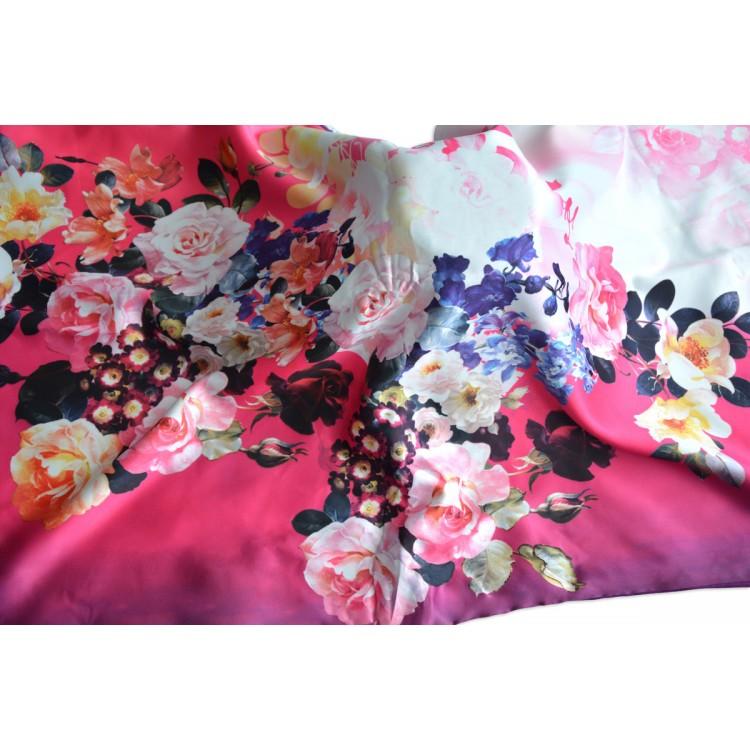 Pañuelo  de seda 100% natural, con dos caras y  flecos, modelo primavera morado, colección otoño-invierno,  de Hogar y Mas