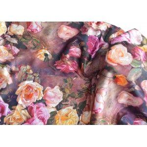 Pañuelo  de seda 100% natural, con dos caras y  flecos, modelo clásico multicolor , colección otoño-invierno,  de Hogar y Mas