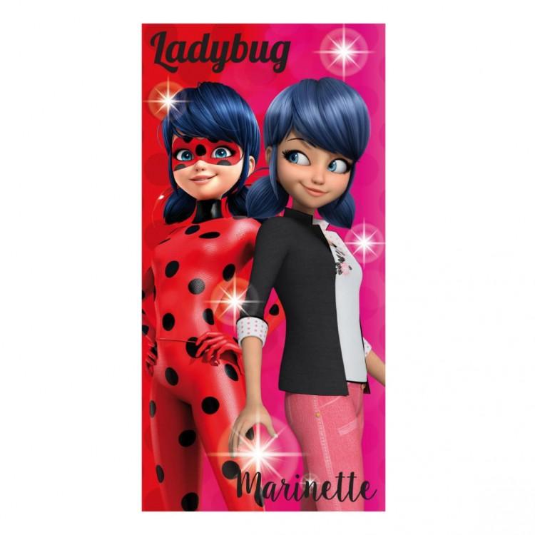Toalla infantil Edición Ladybug y Marinette DIseño colorido Hogar y mas