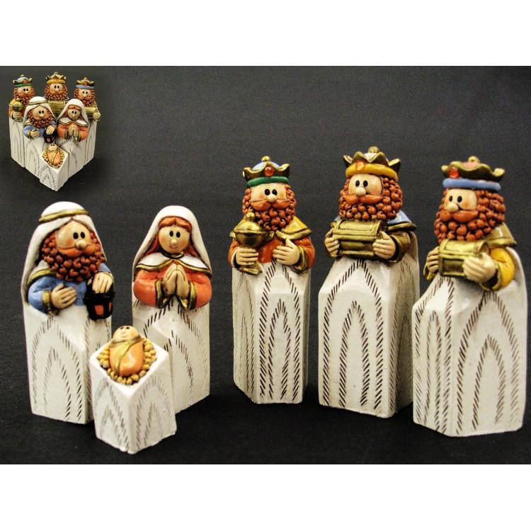 Figura de resina Belén Navidad alegre Reyes Magos Set de 6 figuras. Hogar y Más.