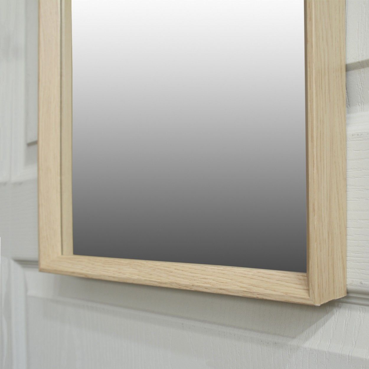 Espejo para puerta de dormitorio bassic hogar y m s for Puertas de madera para dormitorios
