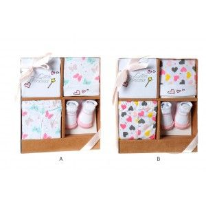 Conjunto Bebé 0 a 6 meses de 4 piezas Gorrito, Babero, Pantalón y Patucos de Algodón 24x28x7 cm