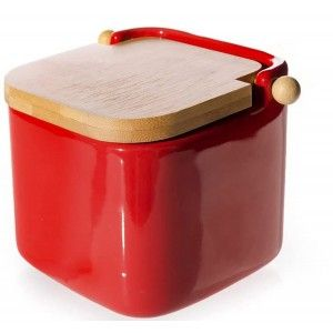 Red salt shaker with bamboo lid (12 x 12 x 11 cm)